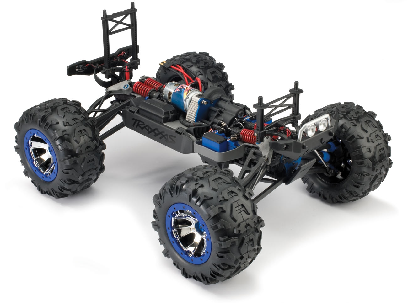 5610-3qtr-chassis.jpg