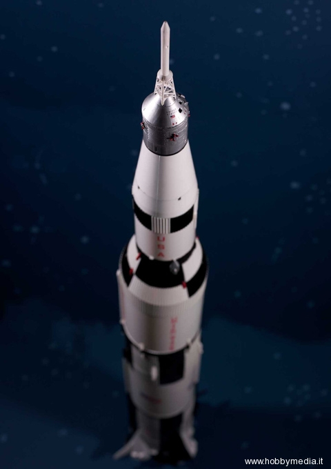revell apollo-saturn-v-rocket