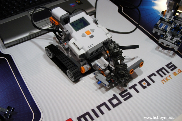 lego-mindstorms-nxt-toy-fai