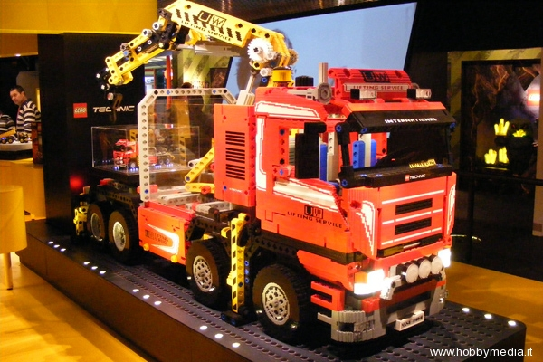 rc rally trucks with Lego Alla Fiera Del Giocattolo Di Norimberga Toy Fair 2009 on Hsp Troian Pro 1 16 Scale Brushless Electric Off Road Rc Buggy P395 moreover 310901153209 together with Fcx Squeezing as well 1530 Tamiya 49491 Rc Ta05 Ifs R Chassis Kit besides Monument Valley Event Tickets.