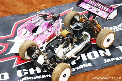 hot-bodies-atsushi-hara-vince-il-campionato-jmrca-1-8-gp-2009-buggy-2