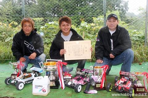 hot-bodies-atsushi-hara-vince-il-campionato-jmrca-1-8-gp-2009-buggy