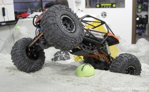 rcmad4x4x4-rc-rock-crawler