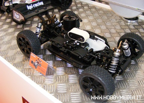 Scale Auto Racing News on Hpi D8 Rtr  Buggy A Scoppio In Scala 1 8   Toy Fair 2011