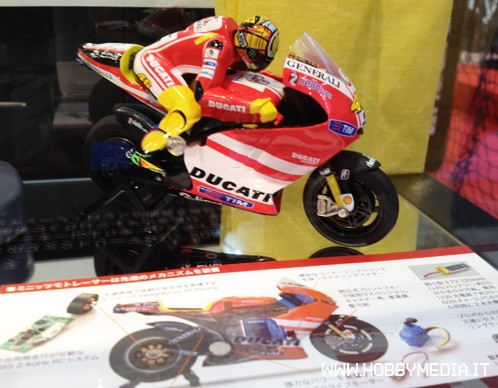 kyosho-moto-racer-ducati-desmodieci