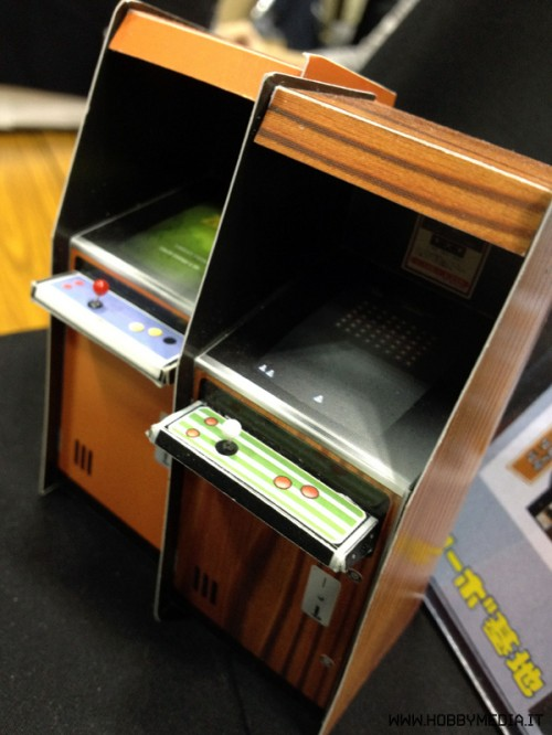 papercraft-arcade-cabinet-2