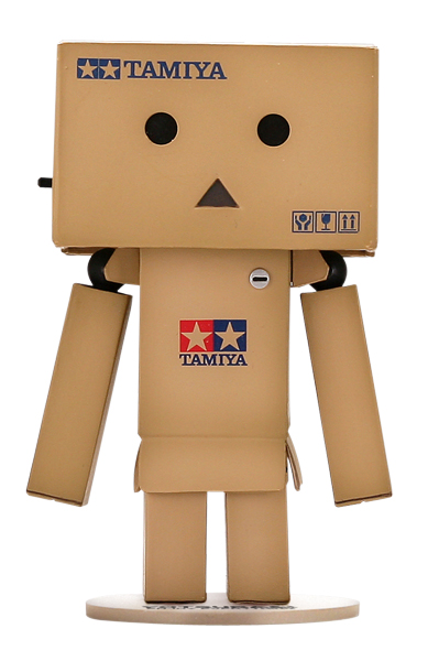 Il robot fatto di scatole cartone tamiya kaiyodo