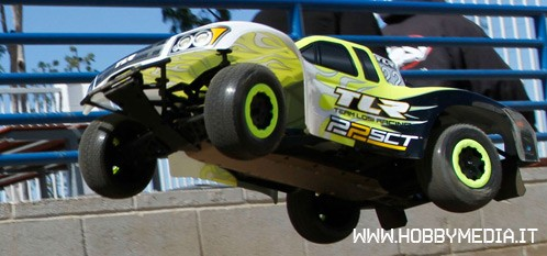 team-losi-racing-ready-to-compete-22sct-2