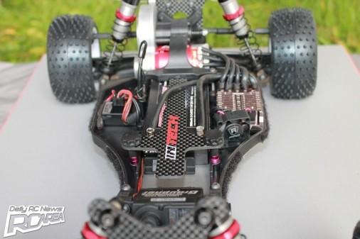 intech-er-12-2wd-buggy-3