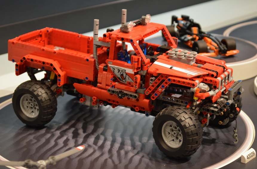 lego-technic-truck-offroad-rosso-42029-toy-fair-2014