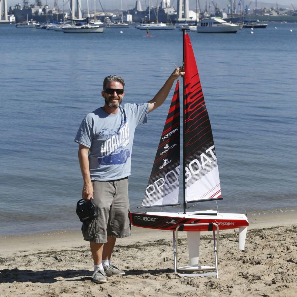 Proboat Ragazza Barca A Vela Radiocomandata Video