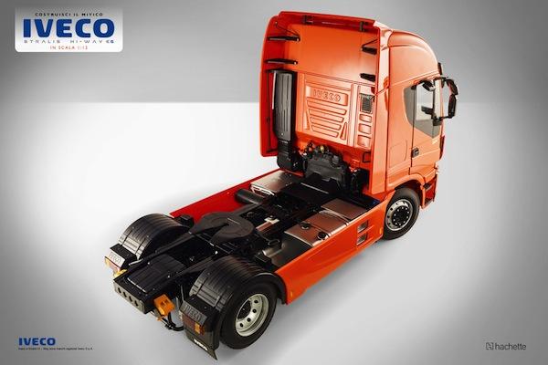 Costruisci il camion iveco stralis in scala 1 12 for Costruisci una casa per 100k