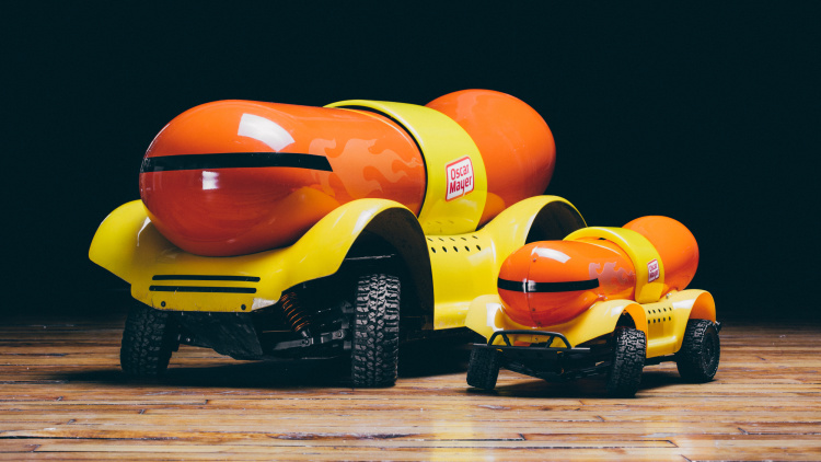 Search additionally 29084 also Productmobiles blogspot together with Oscar Mayer Weinermobile 2 additionally Oscar Mayer Wiener. on oscar mayer weiner rover