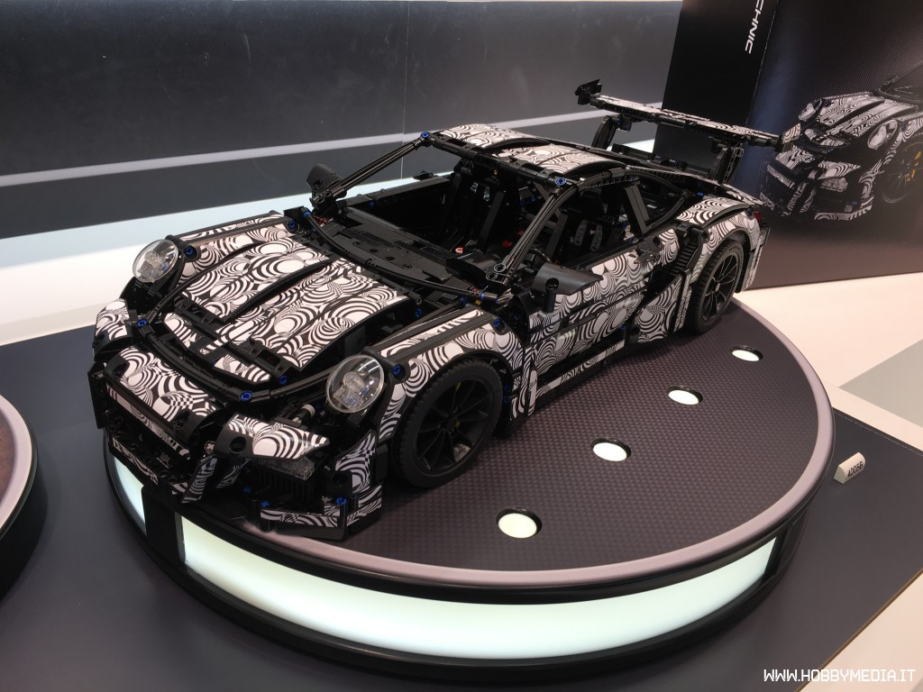 lego technic porsche 911 gt3 42056 toy fair 2016 hobbymedia. Black Bedroom Furniture Sets. Home Design Ideas