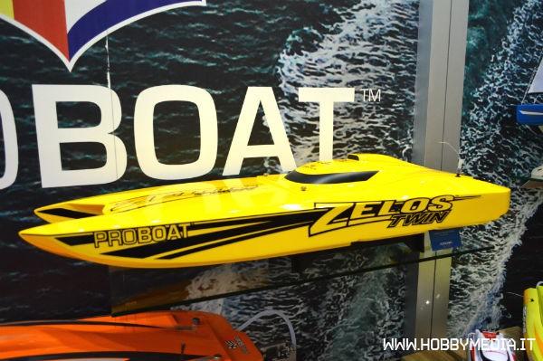 pro-boat-zelos-twin-1