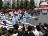 Akihabara: 18 stabbed / Folle accoltella 18 persone a Tokyo