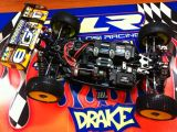 Tekin RX8 sulla buggy TLR 8ight E di Adam Drake
