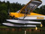 Aeromodello Hangar 9 Carbon Cub 15cc ARF con galleggianti