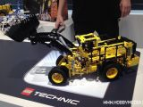 LEGO Technic Volvo Buldozer 42030 - TOY FAIR 2014