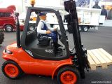 Carson - Linde H40D Fork Lift 2.4 GHz - Carrello elevatore radiocomandato - Toy Far 2010