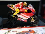 Ducati Desmosedici GP11 Kyosho Mini-Z Moto Racer No.46