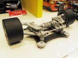 Yokomo - Prototipo retrotreno / avantreno con ammortizzatore centrale  Shizuoka Hobby Show 2010