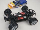 Revell Dromida MT 4.18: Monster truck 4WD in scala 1/18