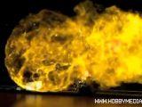 Slot car contro un pallone pieno di idrogeno che esplode!