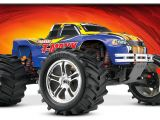 Traxxas TMaxx Classic: Monster Truck di culto!