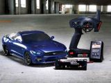 Vaterra 2015 Ford Mustang 4WD RTR su telaio V100-S