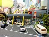 Vollmer - Costruisci un ristorante di Mc Donalds per il tuo plastico ferroviario